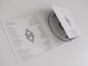 SYNΘESIS – Limited Edition Digipak